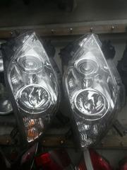 Фары,  задние фонари и стекла на Toyota